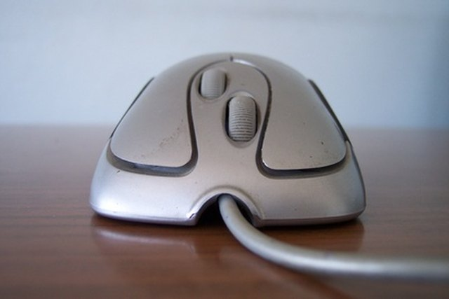 how to connect a mouse to a computer