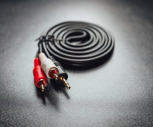 How To Use Component Cables To Attach To An Rca Input