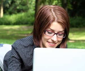 Advantages and disadvantages of chat rooms