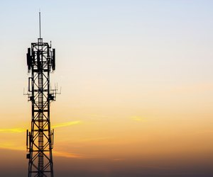 advantages and disadvantages of wireless communication pdf