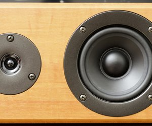how to get rid of static in speakers