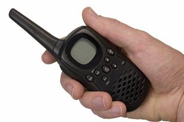 Isolated UHF handheld radio set