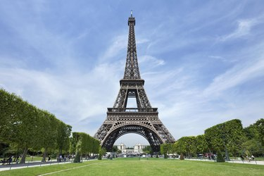 The majestic Eiffel tower against a blue sky