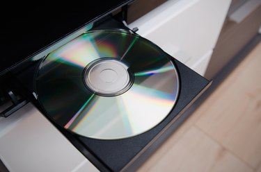 Blu-ray or DVD player with inserted disc
