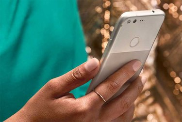 Picture of the Google Pixel smartphone