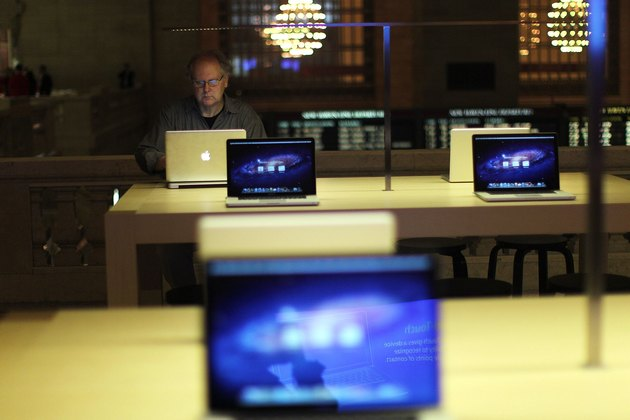 Apple Holds Media Preview For Its New Store In New York's Grand Central Station