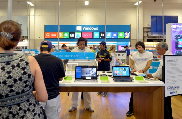 Microsoft Celebrates Opening Of Windows Store Only At Best Buy With Major League Soccer