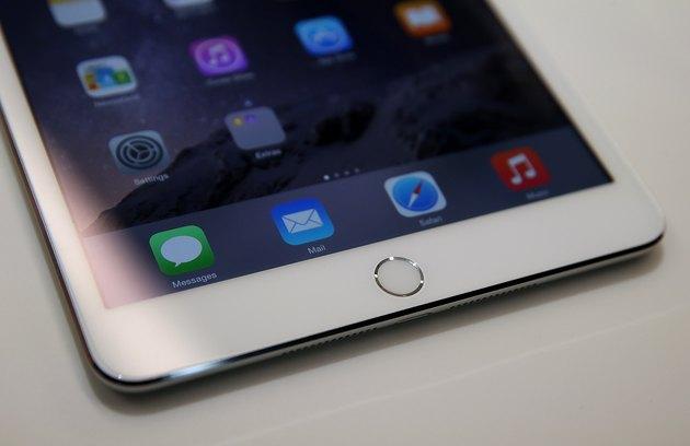 Apple Unveils New iPad Models