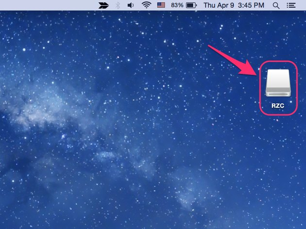 Insert your flash drive into your Mac.