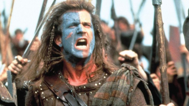 Still of William Wallace delivering a battle cry.