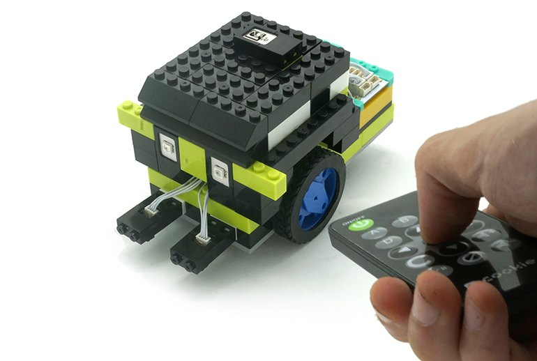 a Itty Bitty City: Programmable Legos for Budding Inventors