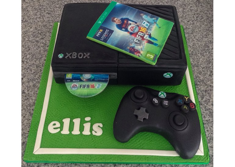 20 Birthday Cakes That Were Clearly Made for a Geeky Kid