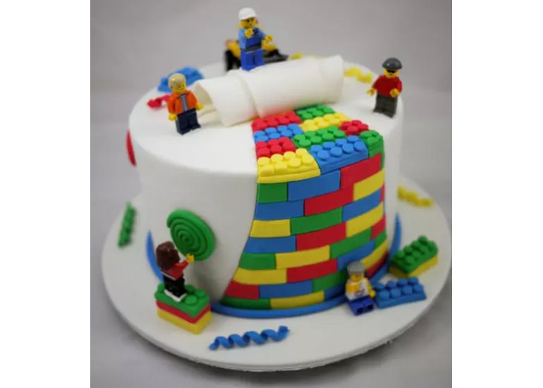 20 Birthday Cakes That Were Clearly Made For A Geeky Kid Techwalla