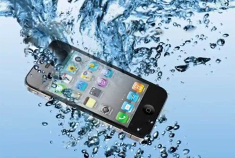 a Smarter Ways to Save a Waterlogged Phone